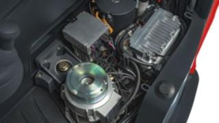 Les composants de transmission électriques et hydrauliques d'un rétractable Fenwick
