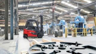 Le E30 Fenwick en action dans l'industrie des câbles