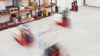 Des chariots automatisés dans un entrepôt