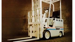 Chariot élévateur des années 1970 de Baker, société rachetée en 1977 par Linde Material Handling