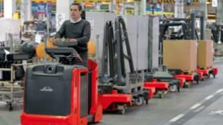 Trains logistiques - les solutions de Fenwick-Linde pour la logistique de production.