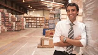 Un client dans son entrepôt logistique