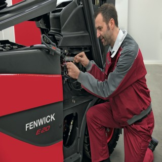 FENWICK_services_technicien_portrait